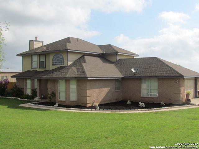 123 Country Gardens, La Vernia, TX 78121