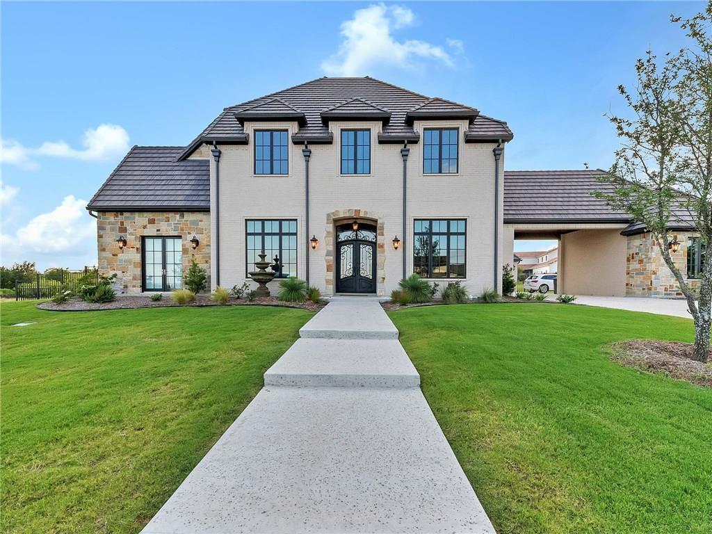 5204 W Verde Circle, Benbrook, TX 76126