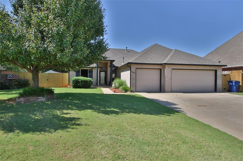 800 W Cabillo Way, Mustang, OK 73064