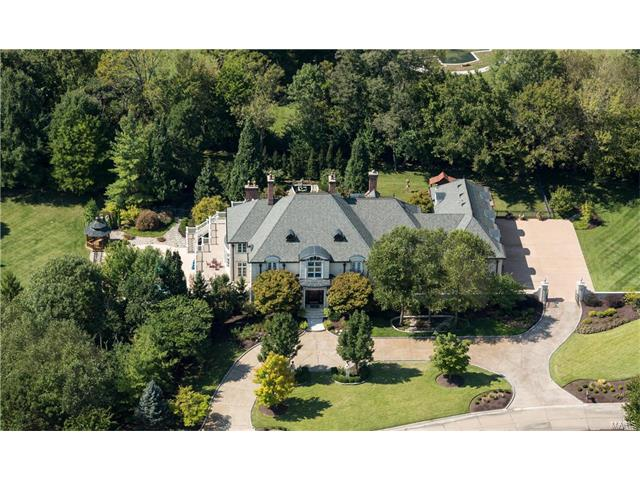 11 Apple Tree Lane, Ladue, MO 63124