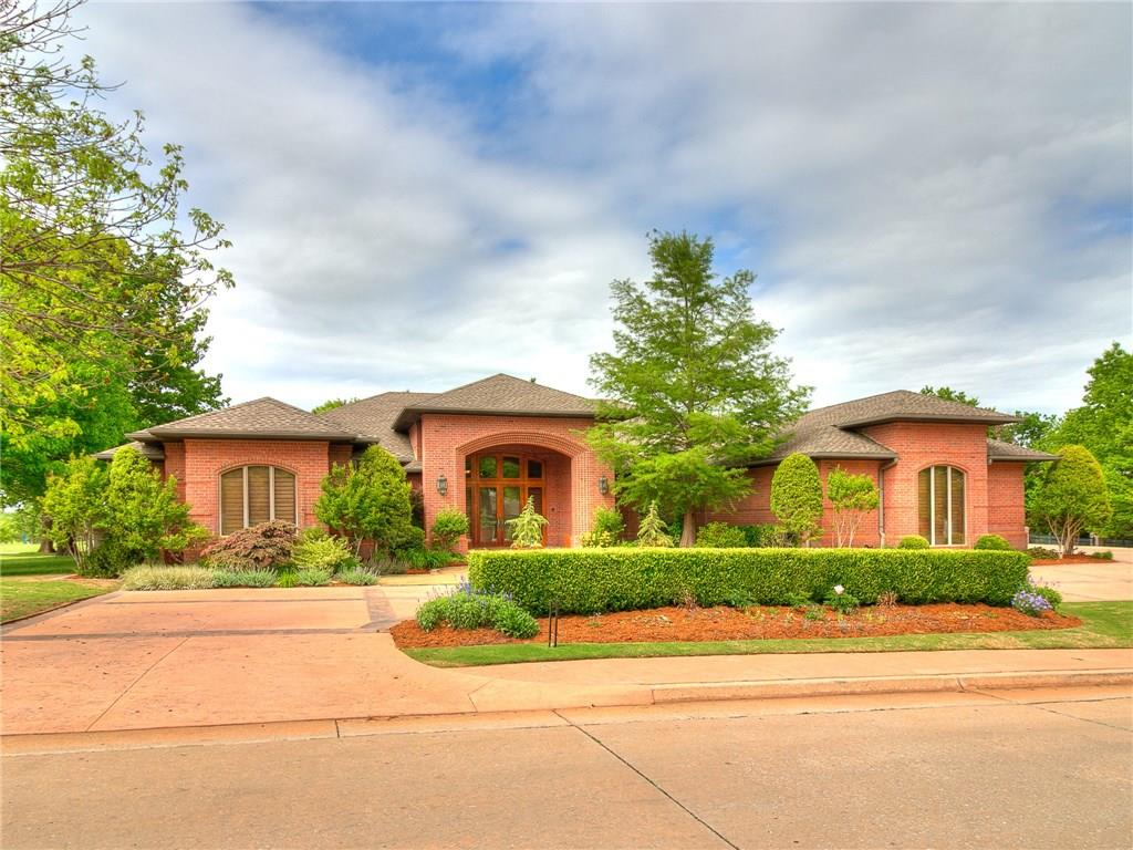 1405 Oak Tree Drive, Edmond, OK 73025