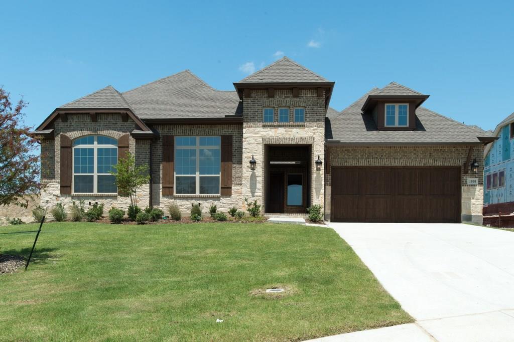 1000 Spring Mill Drive, Roanoke, TX 76262