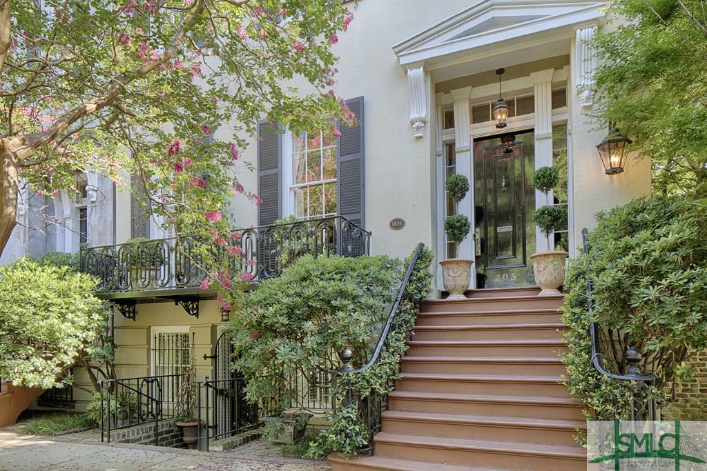 203 W Charlton Street, Savannah, GA 31401