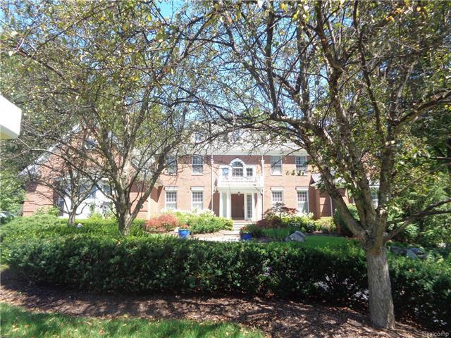 14 BERESFORD Court, Bloomfield Hills, MI 48304