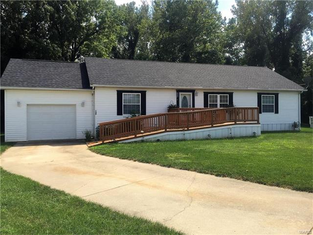 130 Hunters Hollow, Collinsville, IL 62234