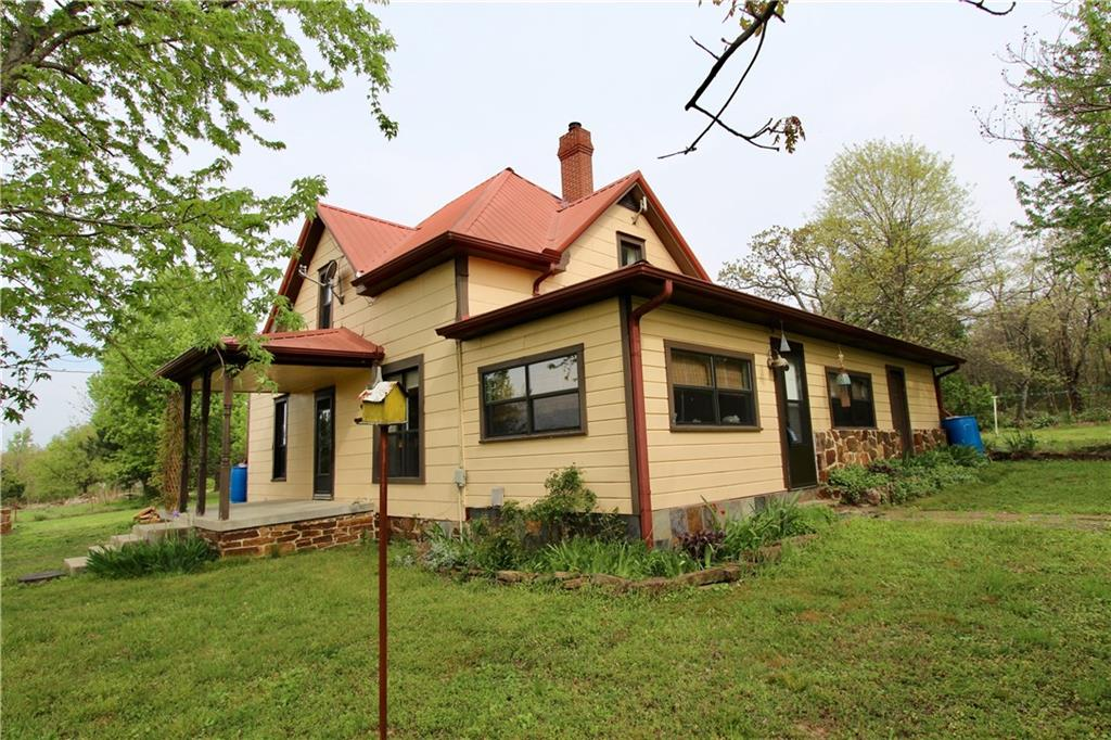 13266 Hogeye RD, Prairie Grove, AR 72753