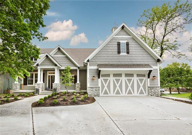 2702 W 71st Terrace, Prairie Village, KS 66208
