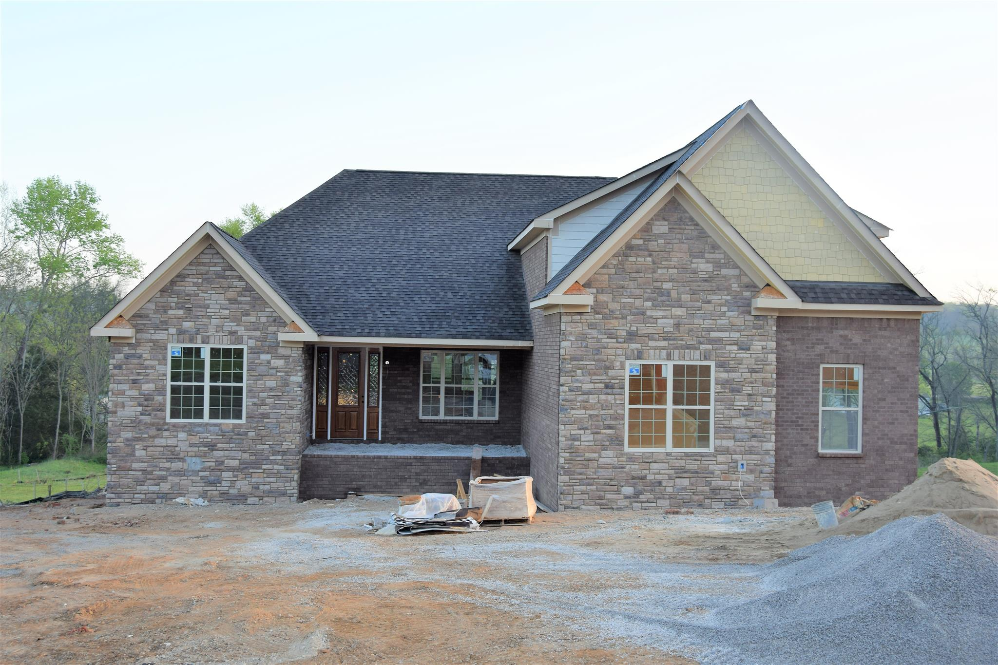 5228 Mead Park Dr, Thompsons Station, TN 37179