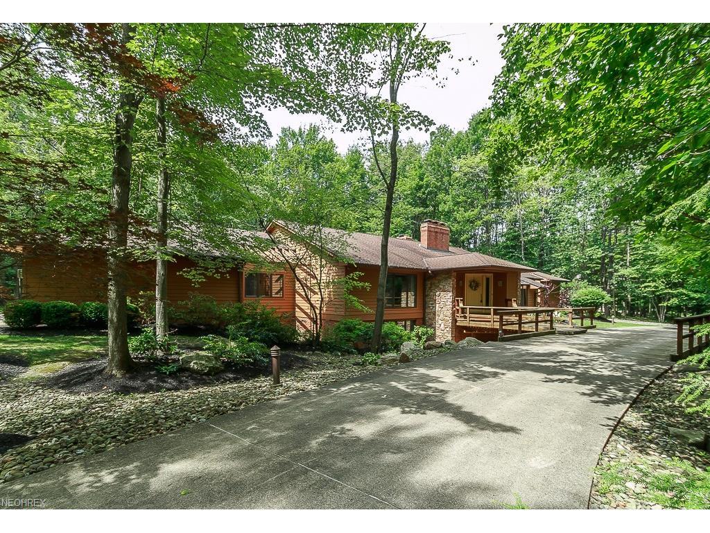 38460 Chimney Ridge Trl, Willoughby Hills, OH 44094
