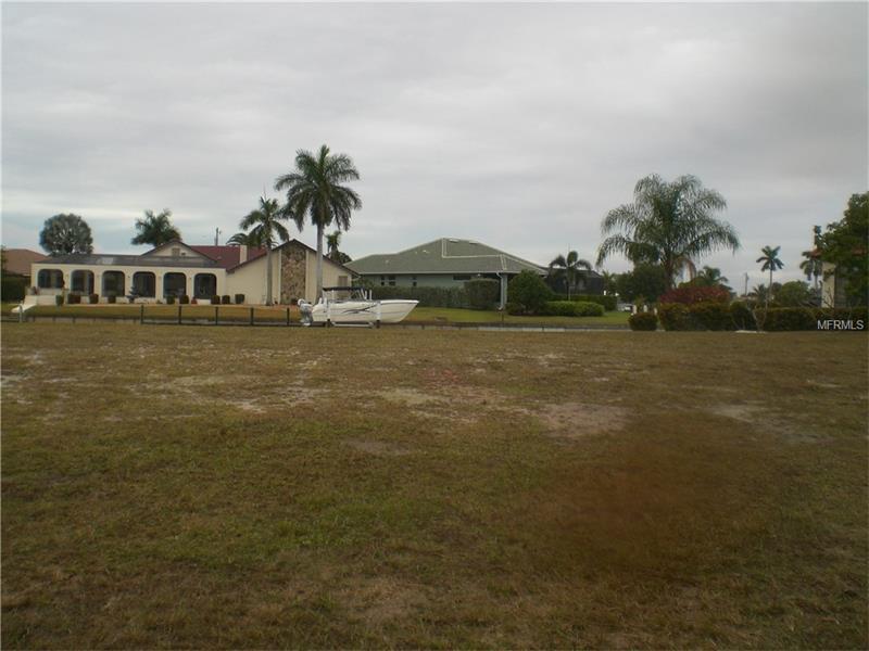 833 PAMELA DRIVE PUNTA GORDA, Florida