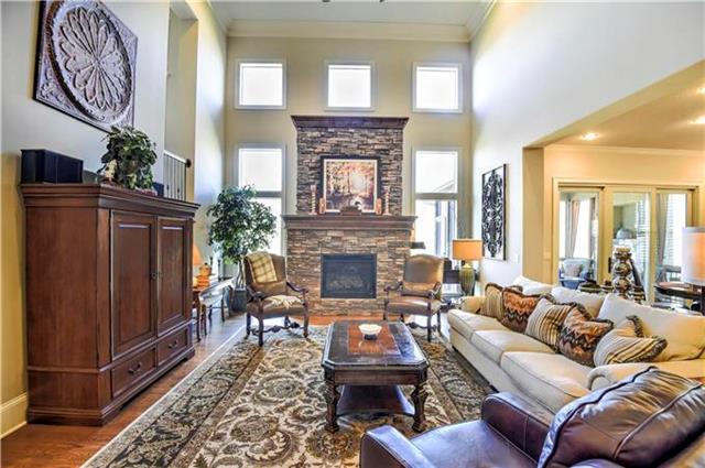 9410 W 161st Terrace, Overland Park, KS 66085
