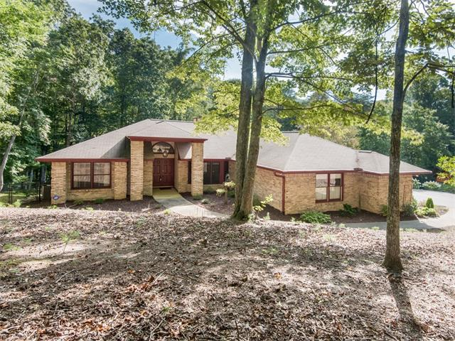 121 Foothills Drive, Hendersonville, NC 28792