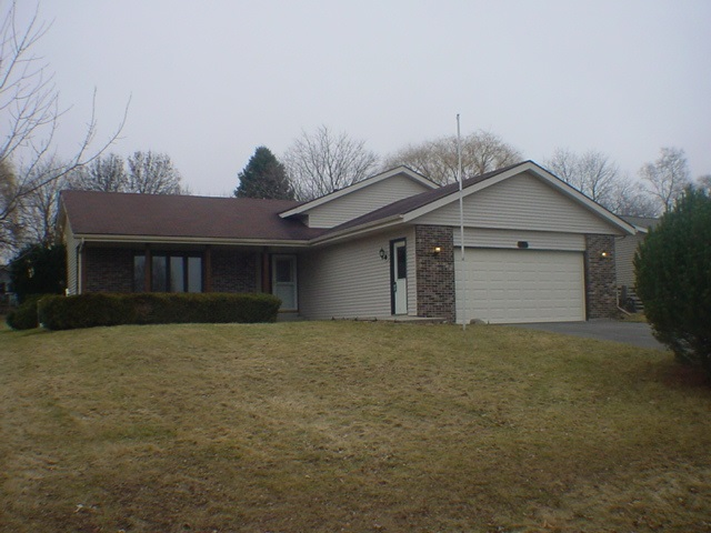 105 Candlewick Drive, POPLAR GROVE, IL 61065