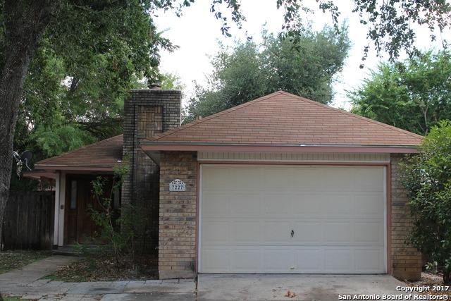 7227 LANSBURY DR, San Antonio, TX 78250
