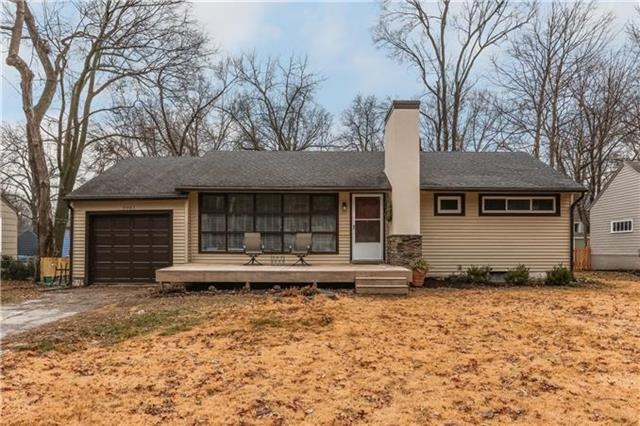 5001 W 70TH Street, Prairie Village, KS 66208