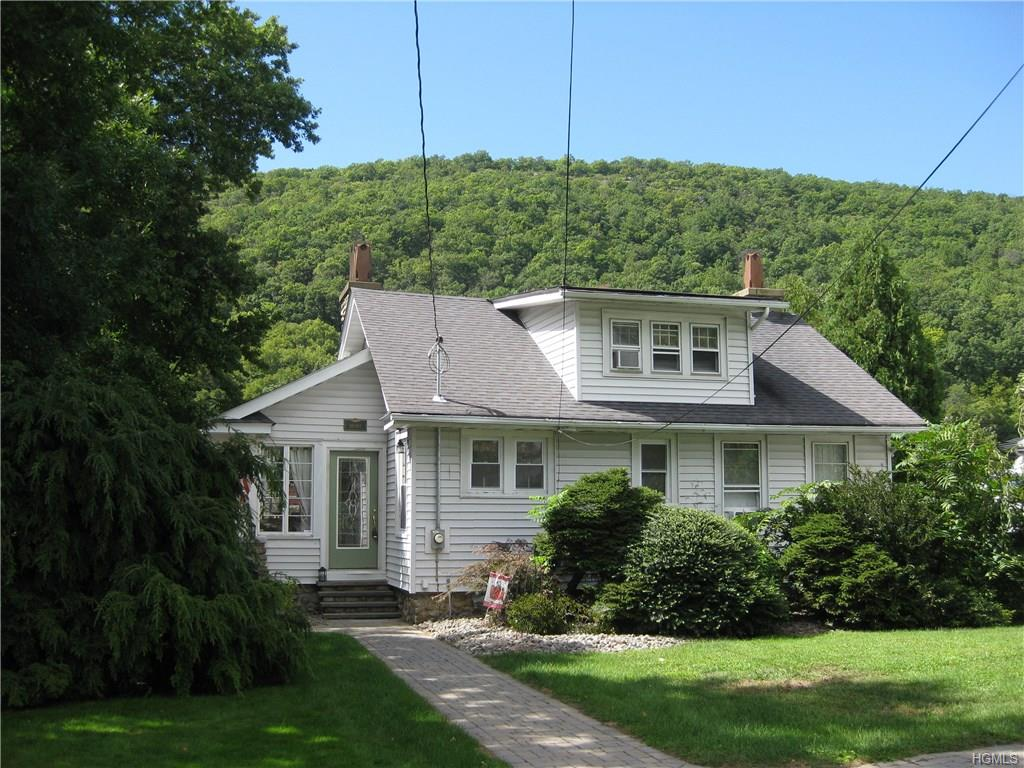 43 Murray Road, Greenwood Lake, NY 10925