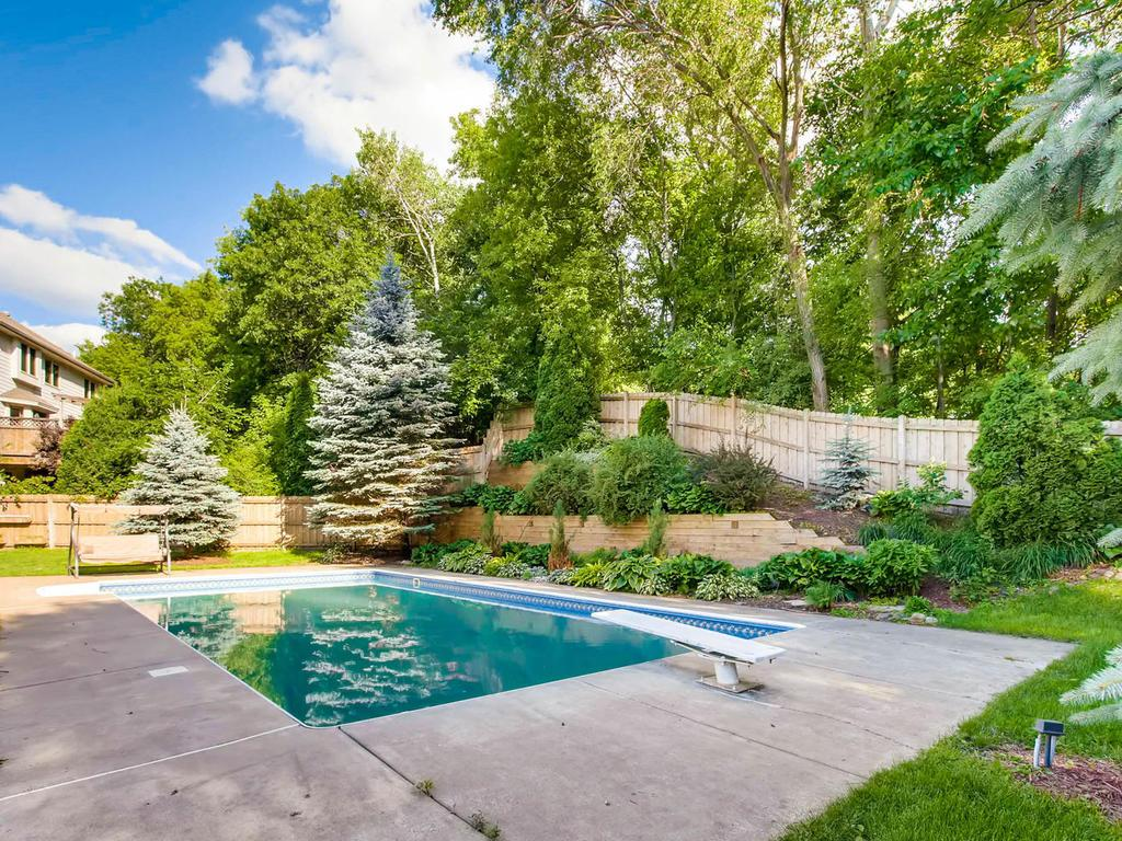 15145 Cherry Lane, Burnsville, MN 55306