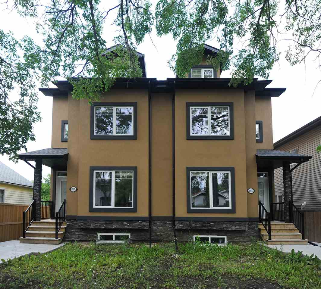 10937 76 Avenue, Edmonton, AB T6G 0J6
