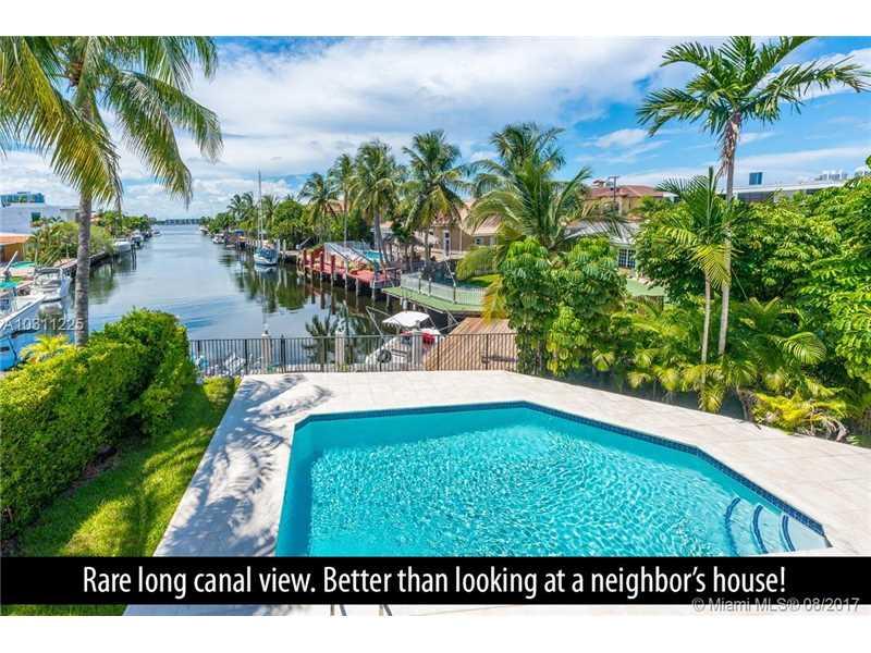 3051 NE 164th St, North Miami Beach, FL 33160