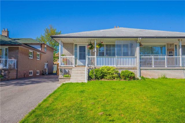 1526 Banwell Rd, Mississauga, ON L5J 3X7