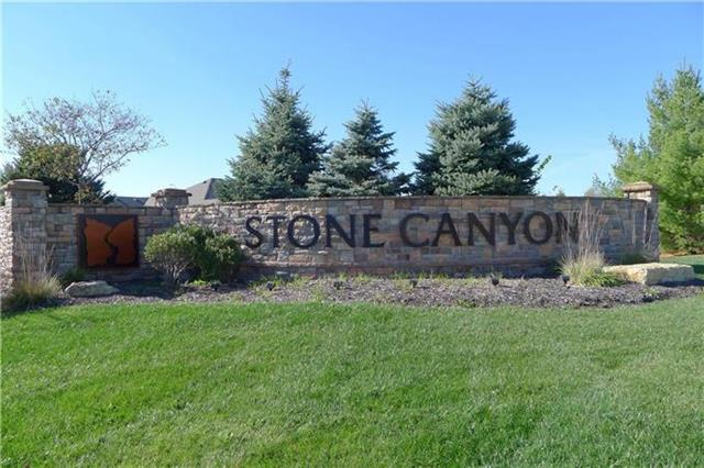 4229 S Stone Canyon Drive, Blue Springs, MO 64015