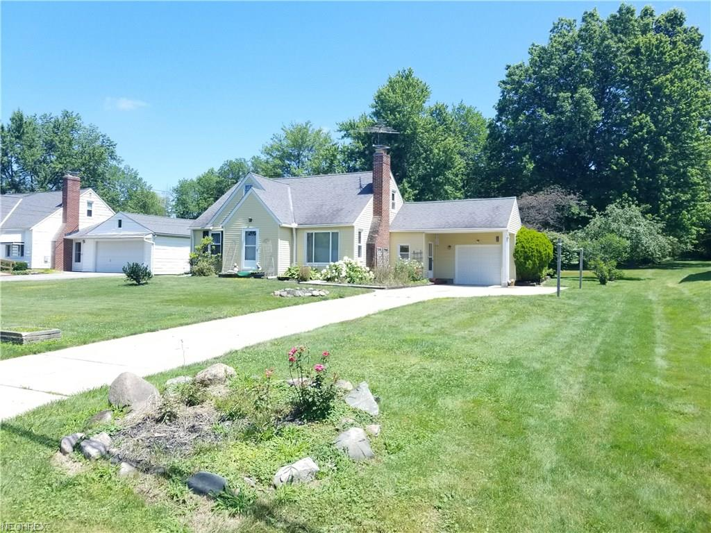 12567 Ward Dr, Chesterland, OH 44026