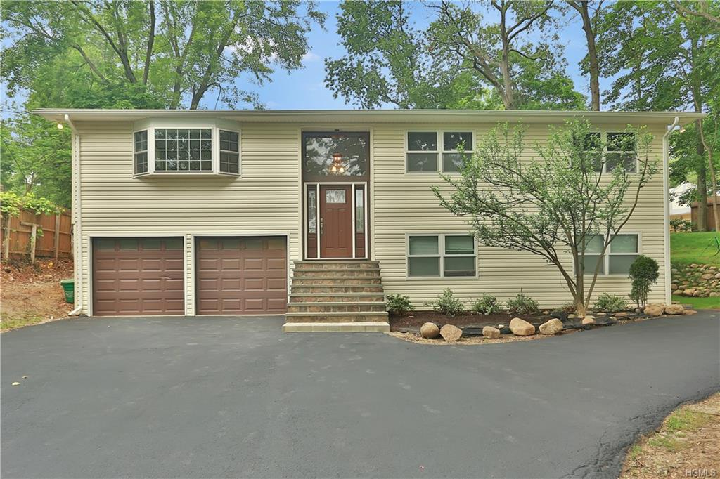 201 Cardean Place, Pearl River, NY 10965