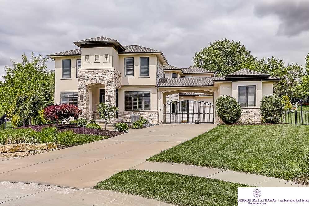 16246 Longbow Circle, Omaha, NE 68136