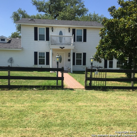 263 COUNTY ROAD 146, Floresville, TX 78114