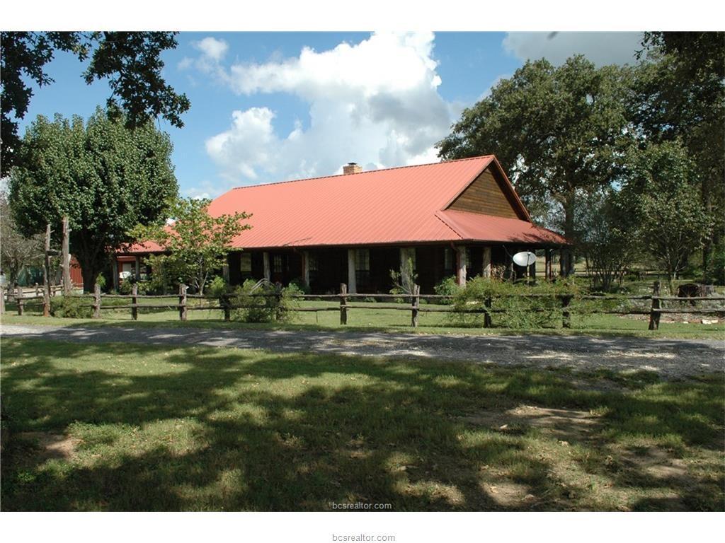 16403 Macey Road, Hearne, TX 77859