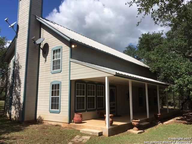799 Oak Hills Rd, Pipe Creek, TX 78063