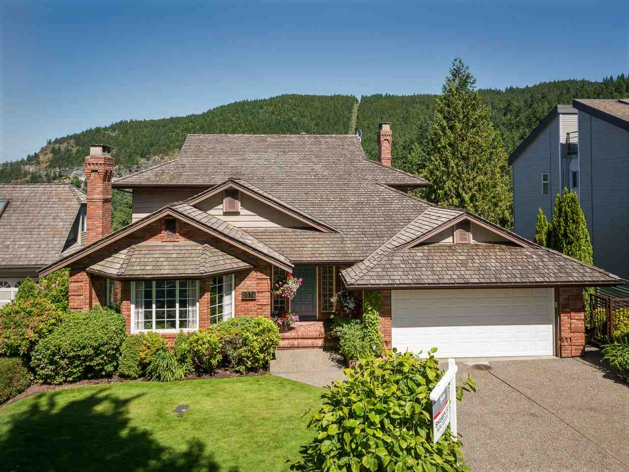 5574 WESTHAVEN ROAD, West Vancouver, BC V7W 3E9