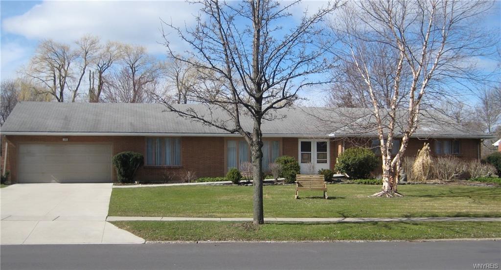 190 Troy Del Way, Amherst, NY 14221