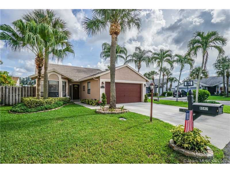 8547 Shawe Way, Boca Raton, FL 33433