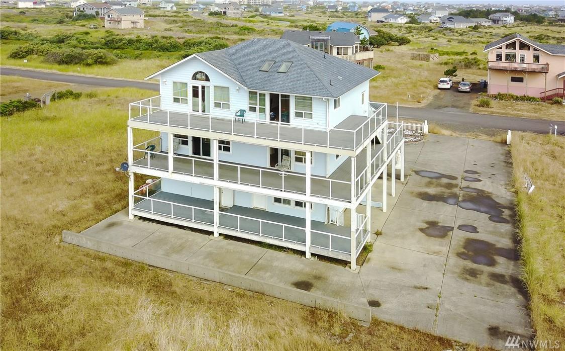 1477 Ocean Crest Ave, Ocean Shores, WA 98569