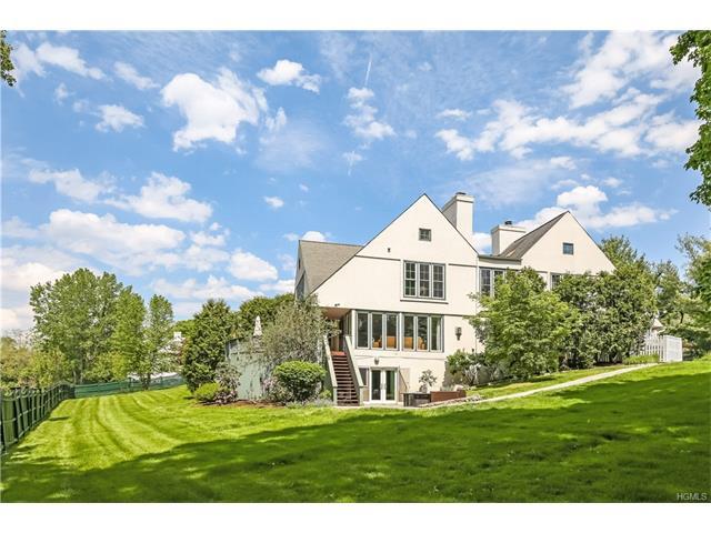 22 Rosemont Lane, Briarcliff Manor, NY 10510