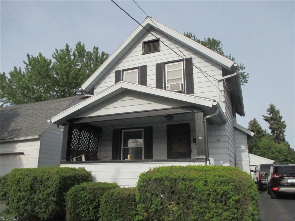 711 N Ward Ave, Girard, OH 44420