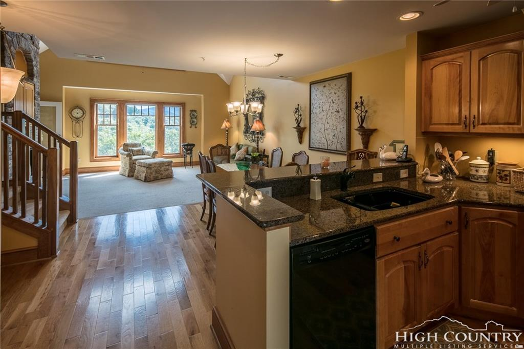 400 Peaceful Haven Drive H-3, Boone, NC 28607