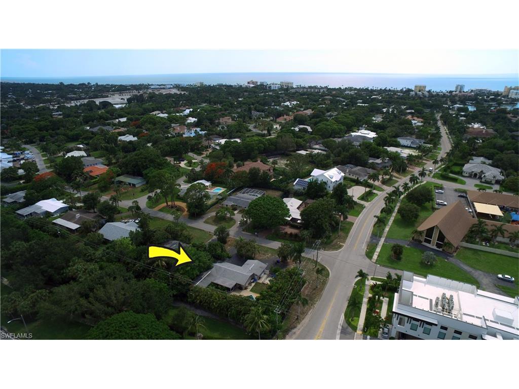 1686 Mandarin RD, NAPLES, FL 34102