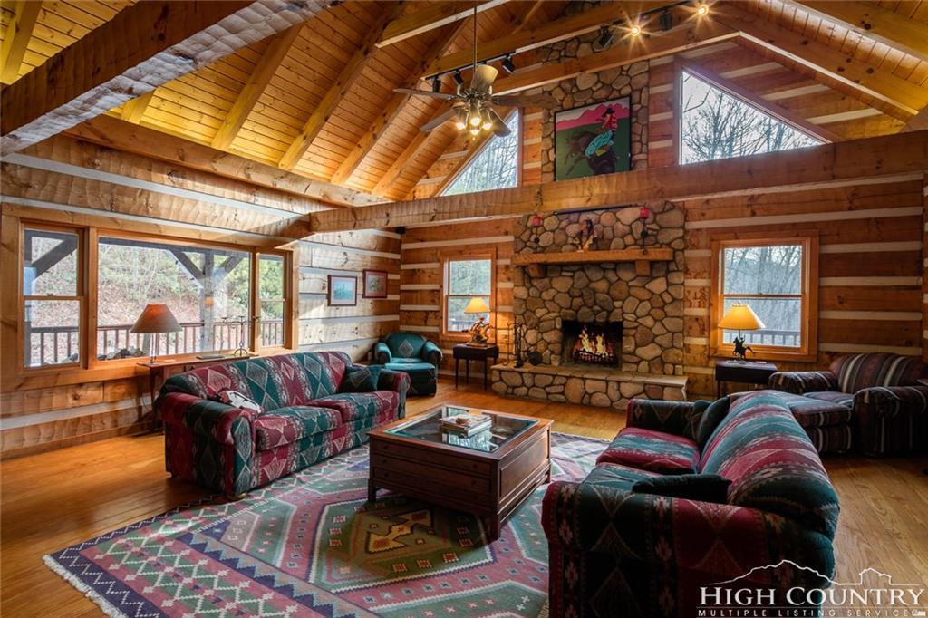 105 Snow Summit, Banner Elk, NC 28604