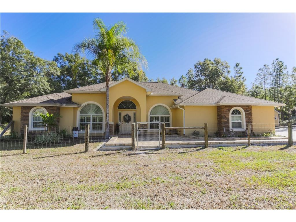8051 N Neige Point, Crystal River, FL 34428