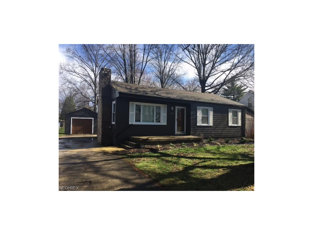 6709 Trenholm Rd, Youngstown, OH 44512