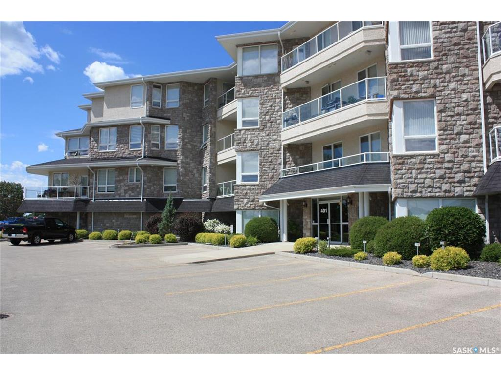 "Welcome to #407-401 Cartwright Street in the Willows.  Executive Top floor 1900 sqft Condo overlooking Willows Golf Course!  Breathtaking sunsets! Rare ""Gem"" corner unit with oversized wraparound South & West facing deck overlooking Pond & hole #1 of Willows Golf & Country Club.  Gas line for BBQ'ing. Bright & Open concept with exceptional placement of large windows to optimize views from every room!  Cherry Cabinetry from Superior with crown moulding, features large island with Granite countertop, under mount lighting, Stainless Fridge, Stove, Dishwasher & OTR Microwave included.  