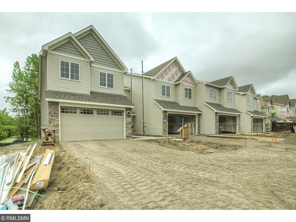 2572 County Road H2 W, Mounds View, MN 55112
