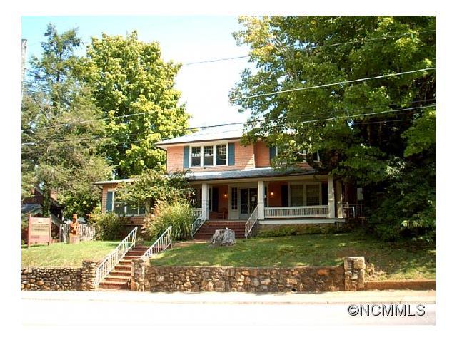 66 Walnut Street, Waynesville, NC 28786