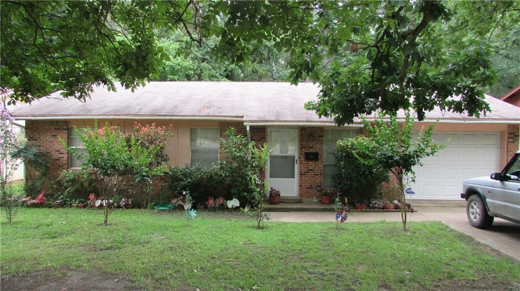 897 W Cayuga Drive, Athens, TX 75751