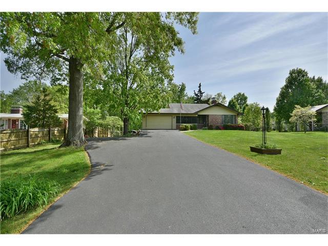 104 Nostra Villa, Fenton, MO 63026