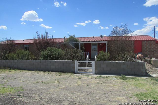 1107 E Lincoln St, Marfa, TX 79843
