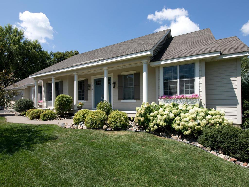 7318 Hidden Valley Ridge S, Cottage Grove, MN 55016