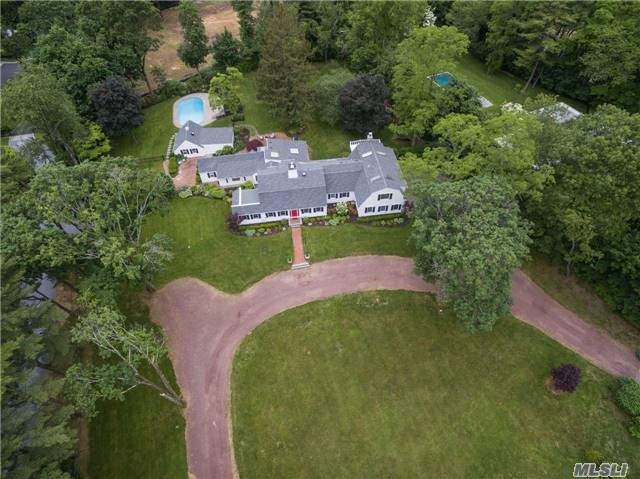 137 Sands Point Rd, Sands Point, NY 11050
